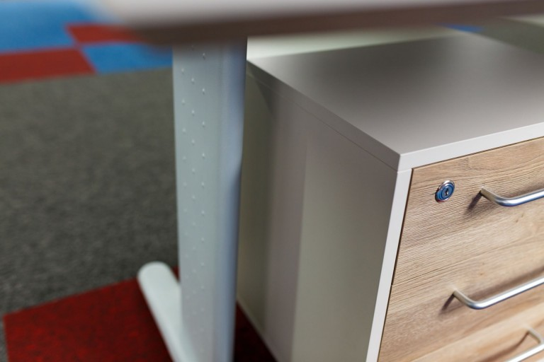 mobilier la comanda casetiera birou brasov