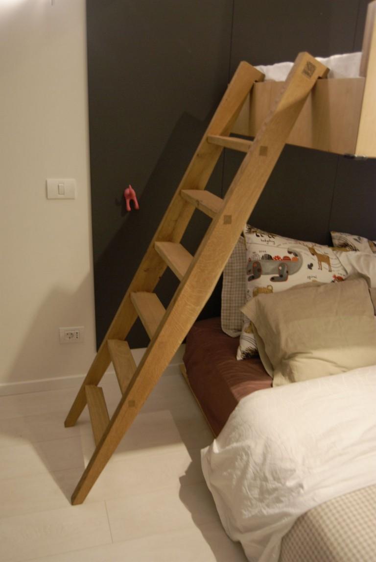pat suspendat copii la comanda brasov scara lemn