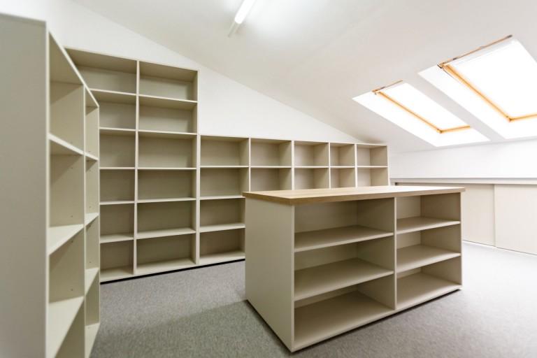 spatii depozitare bibliorafturi la comanda brasov arhiva